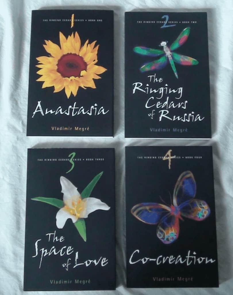 Anastasia Black covers vs Green covers
