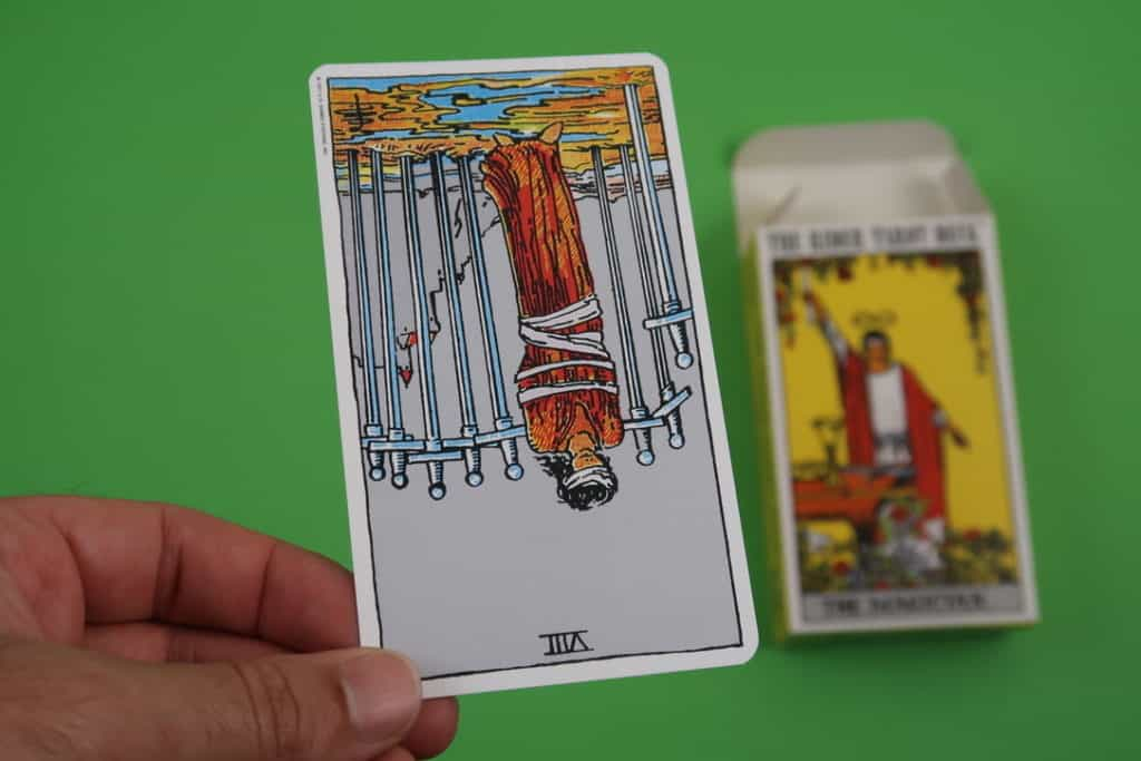 Our psychic reading of The Eight of Swords Reversed