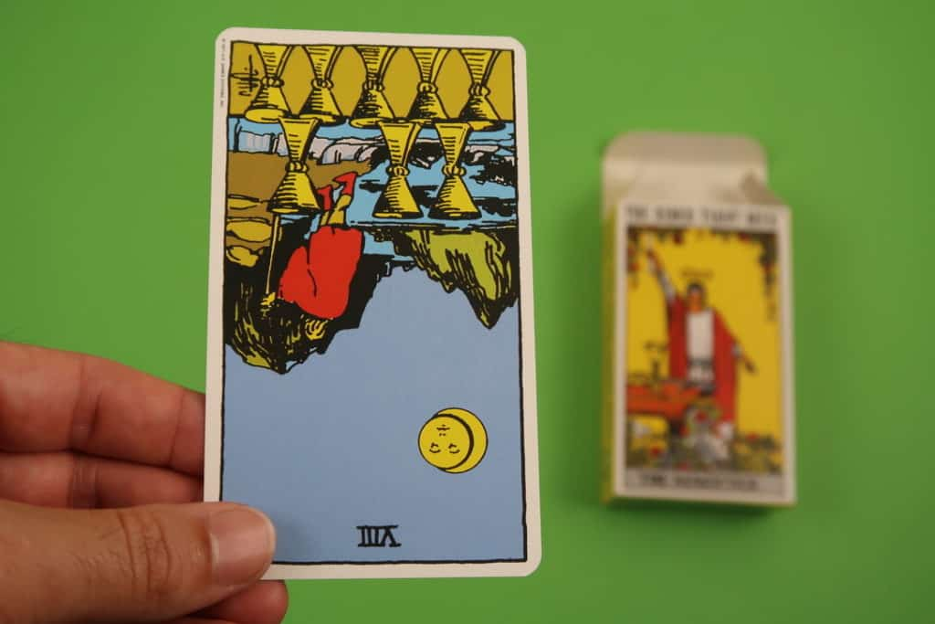 Psychic reading of The Eight of Cups Reversed