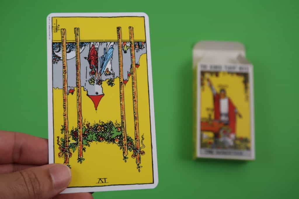 Psychic reading of The Four of Wands Reversed
